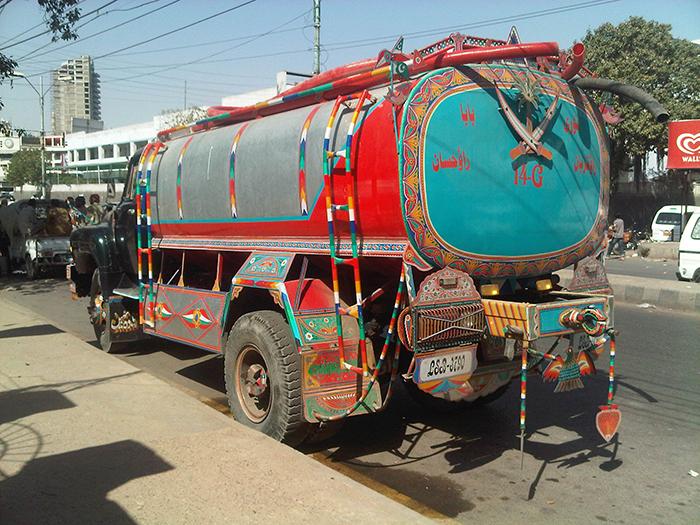 A Karachi water tanker